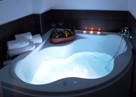 Relaxation V.I.P. Stay with a private spa bath in the room