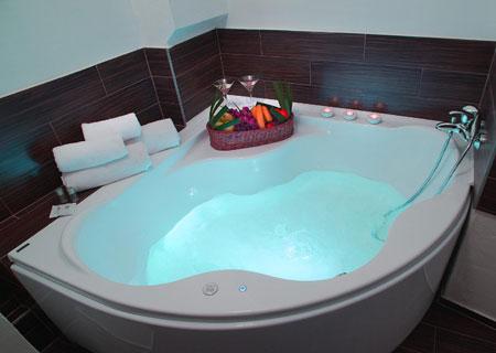 Relaxační V.I.P. pobyt se soukromou vířivkou na pokoji